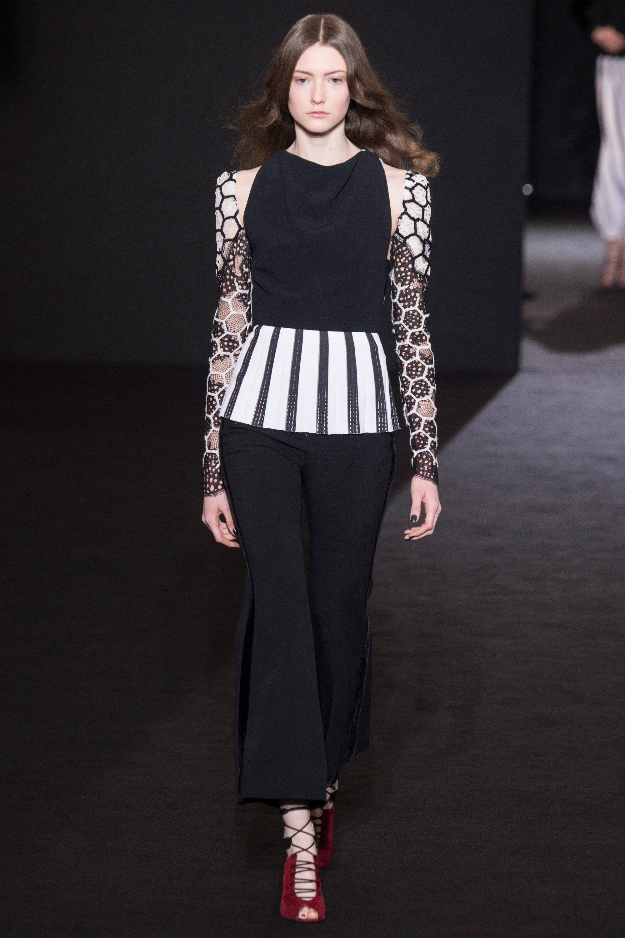 Mouret roland fall runway review forecast to wear in autumn in 2019