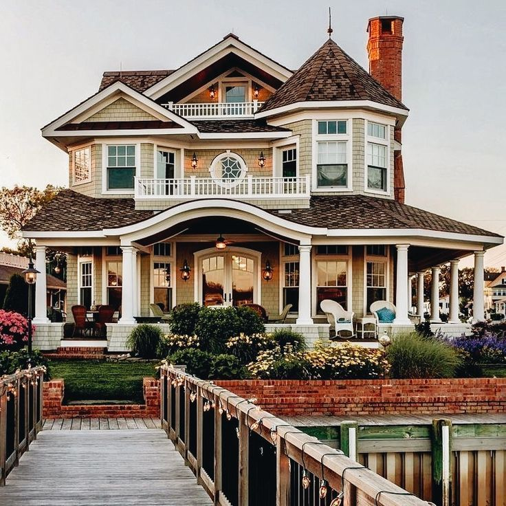 Photo of Haus, Strand, Traum, Haus, Promenade, Blumen, Bäume, Garten, Ansicht