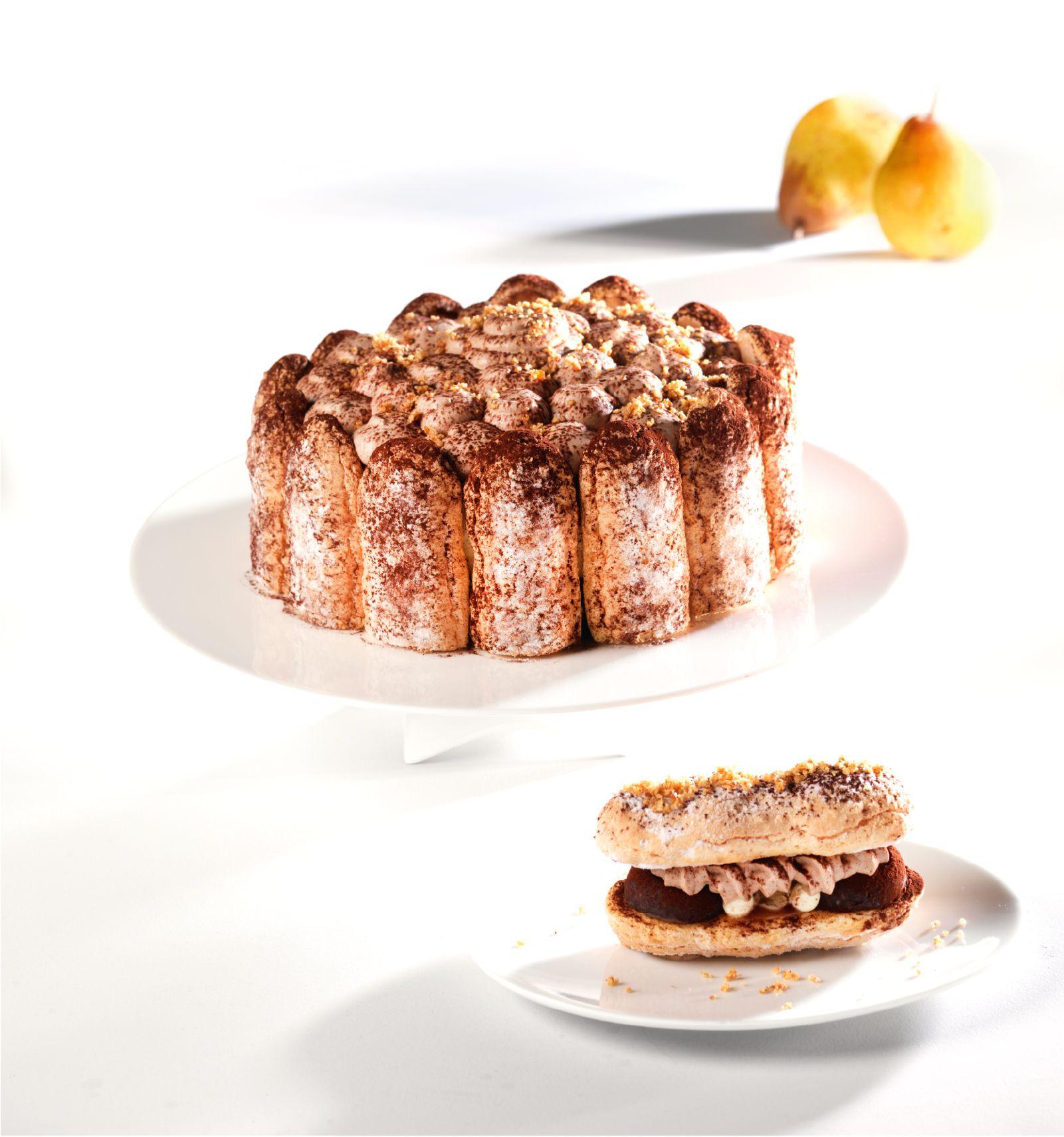Le dessert du dimanche : la charlotte. Pas aux fraises, celle-là, non. Aux poires et au chocolat ! Un délice. La recette est par là.