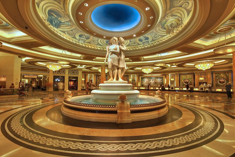 The Real Caesars Palace Las Vegas Hotel Bans Google Glass