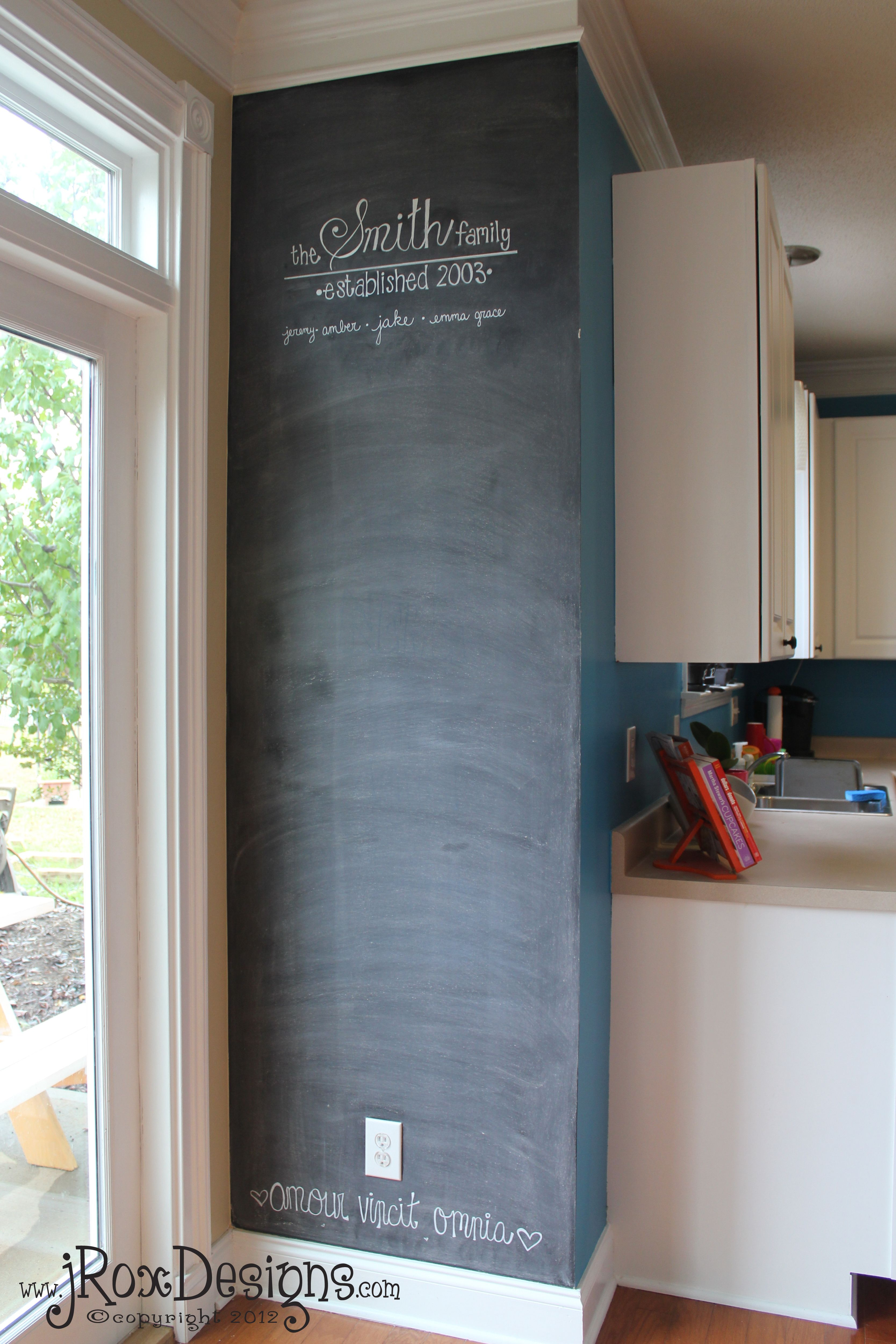 Parete Dipinta A Lavagna chalkboard accent wall :: inspiration wednesday project