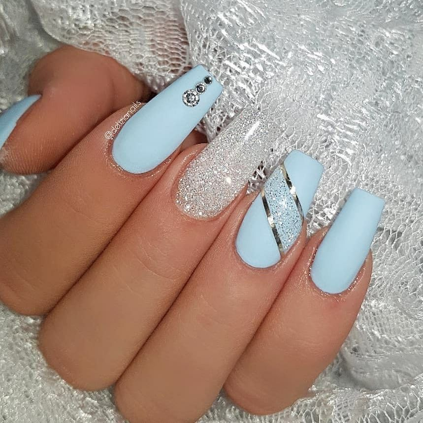 Ice Blue And Diamond Jet Set Beauty Nails Delizianails Christmasnails Iceblue Bluenails Icena Blue Acrylic Nails Blue Glitter Nails Blue Gel Nails