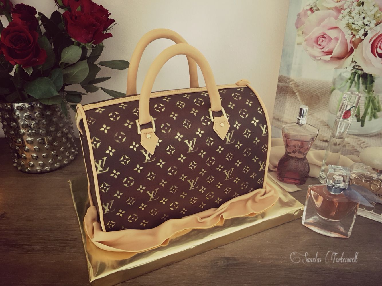 louis vuitton cake 3d torte tasche luis vuitton bag cake pinterest. Black Bedroom Furniture Sets. Home Design Ideas
