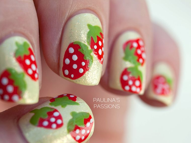 Paulina's Passions: Strawberry Nail Art