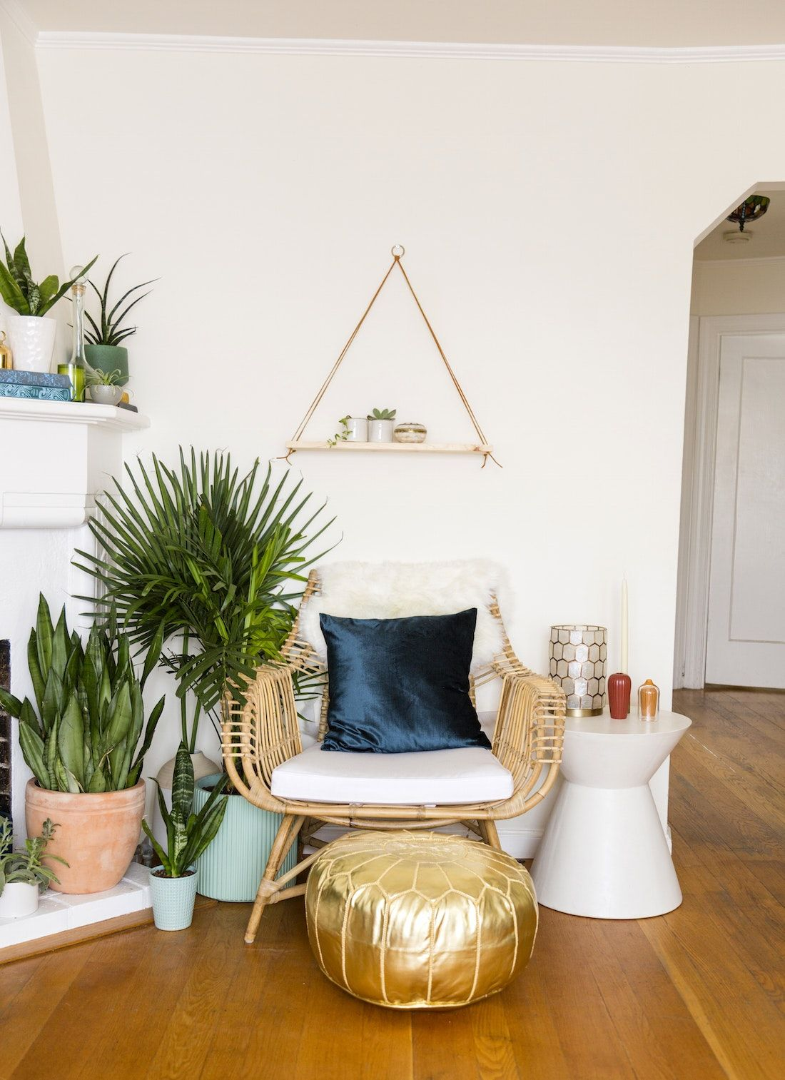 This Boho Living Room Makeover Is #Jungalow Goals | Rattan, Living ...