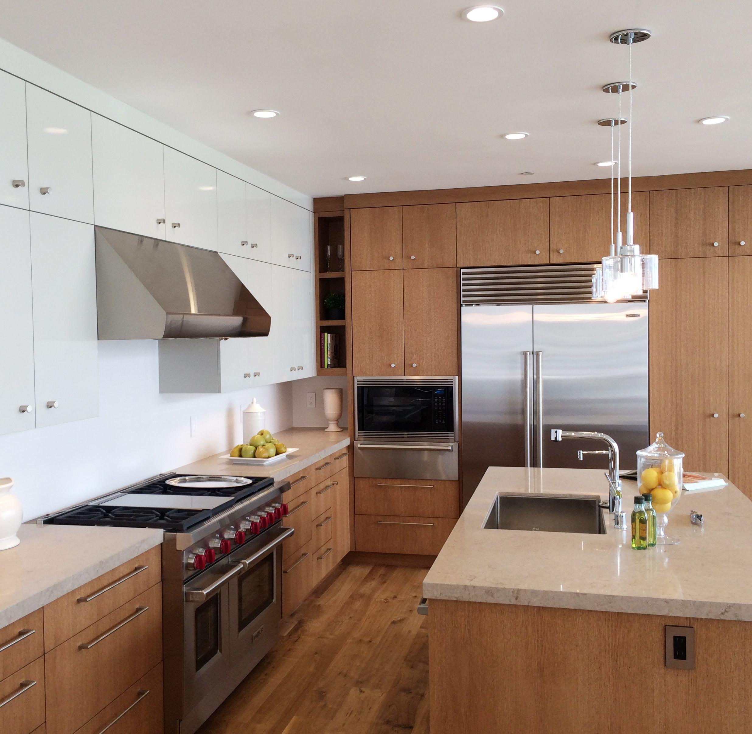 Kitchen Remodeling Manhattan: Rift Oak & High Gloss