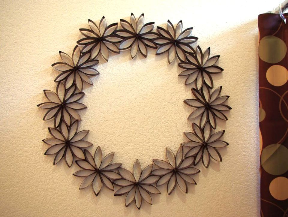10 Paper Flower Wreaths You Can DIY | Diy wall decor, Diy wall and ...