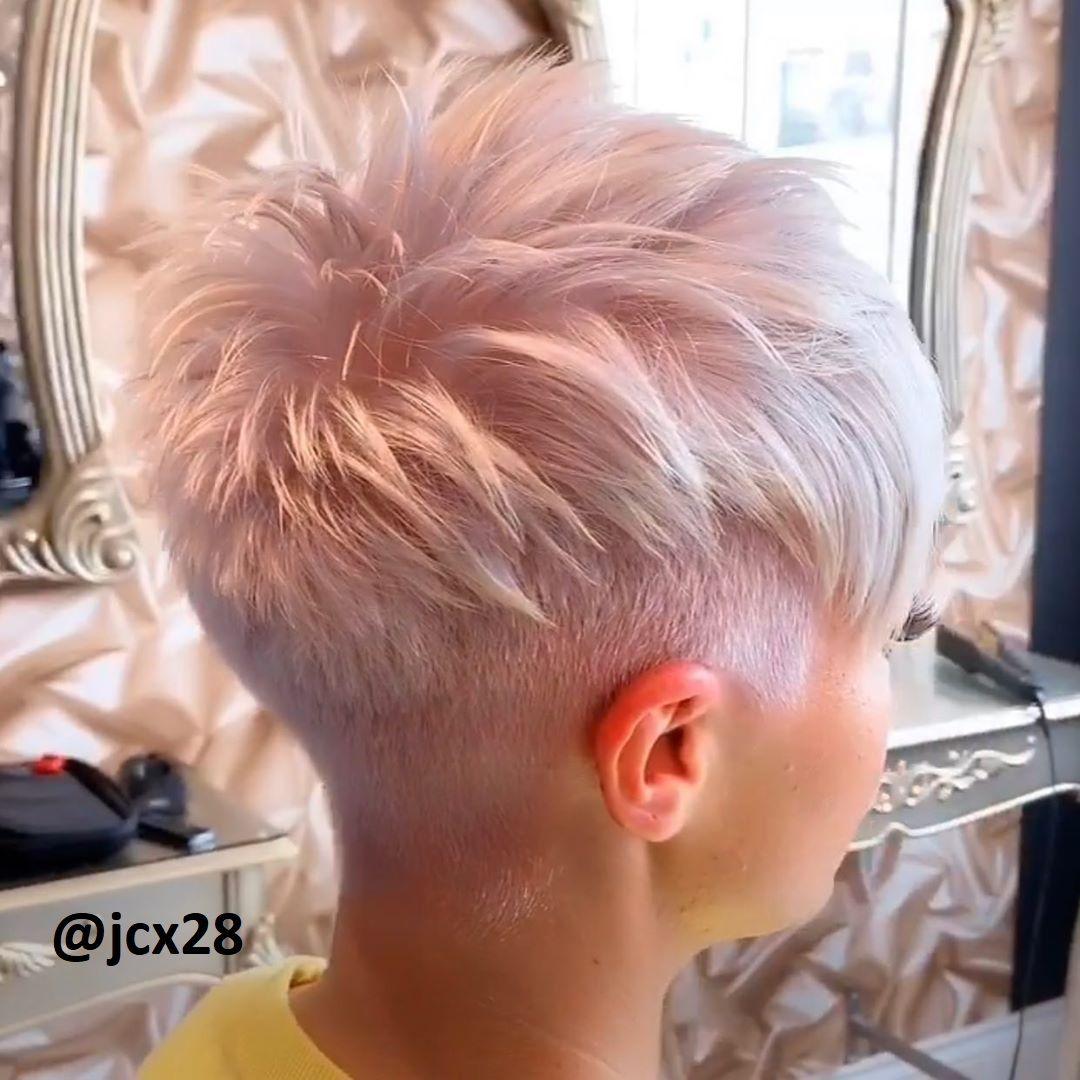 Kurze rosa Frisuren
