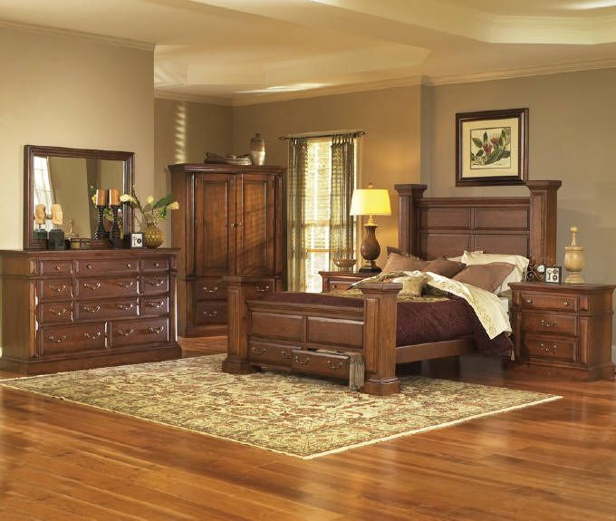 I Love The Browns. Feels Very Welcoming. This Is An Ideal Bedroom.