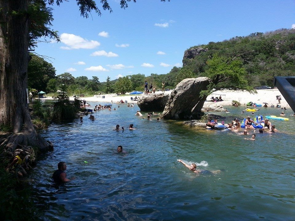 Ordinaire Neilu0027s Cabinu0027s   Frio River Concan, TX. Neilu0027s Water Hole. Has A Huge
