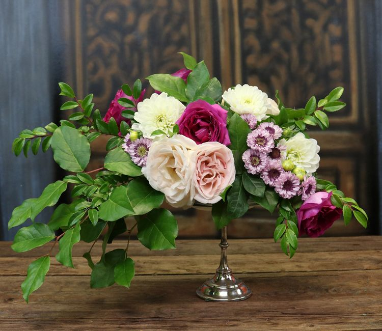 Low Budget Wedding Flowers: Candle Centerpiece With Salal - Google Search