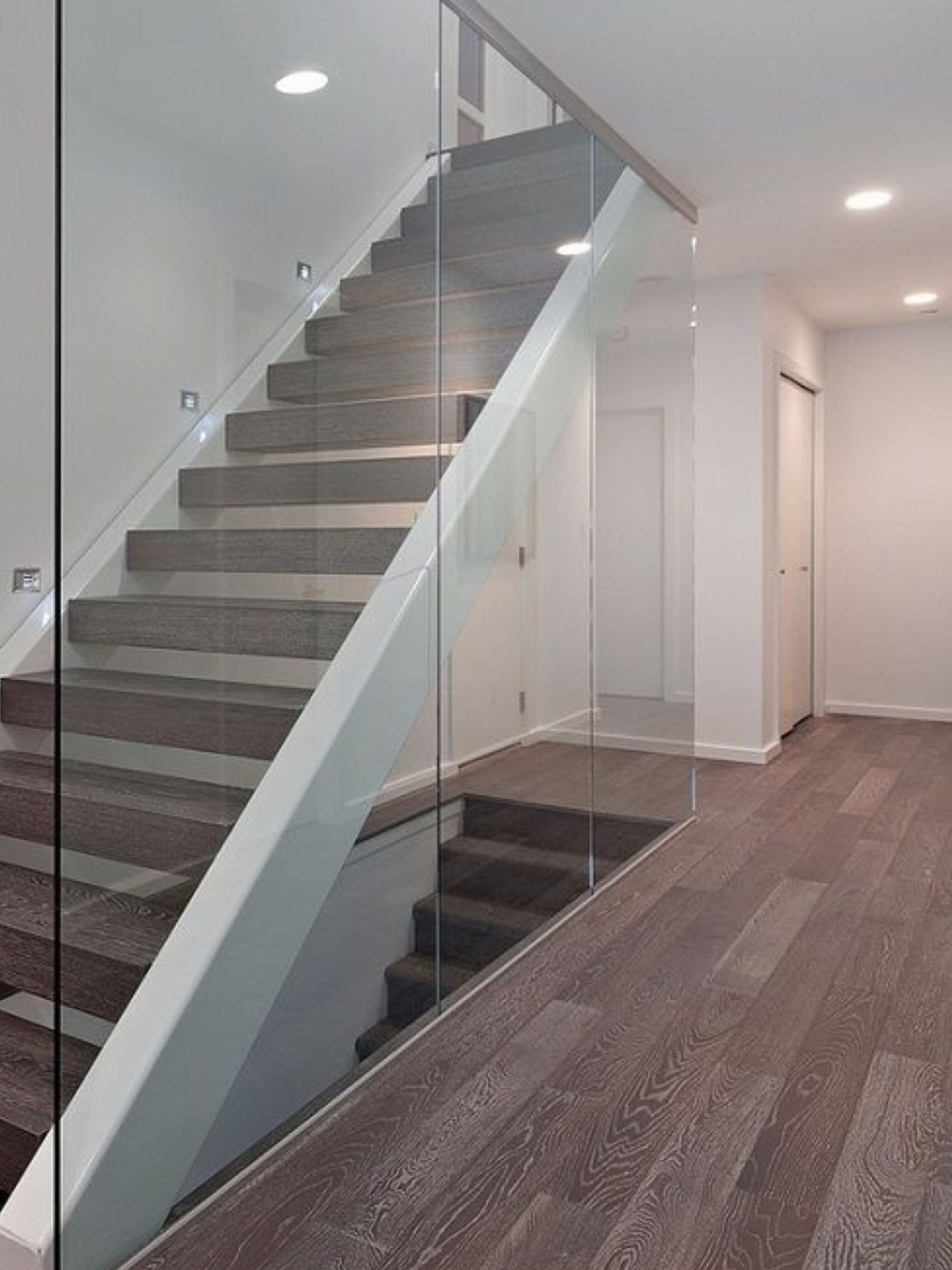 Best Pin By Chairut Ocha On Staircases Glass Stairs Modern 400 x 300
