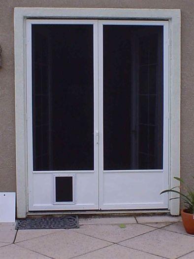 Doggie Doors For French Doors Met Afbeeldingen Patio Doors