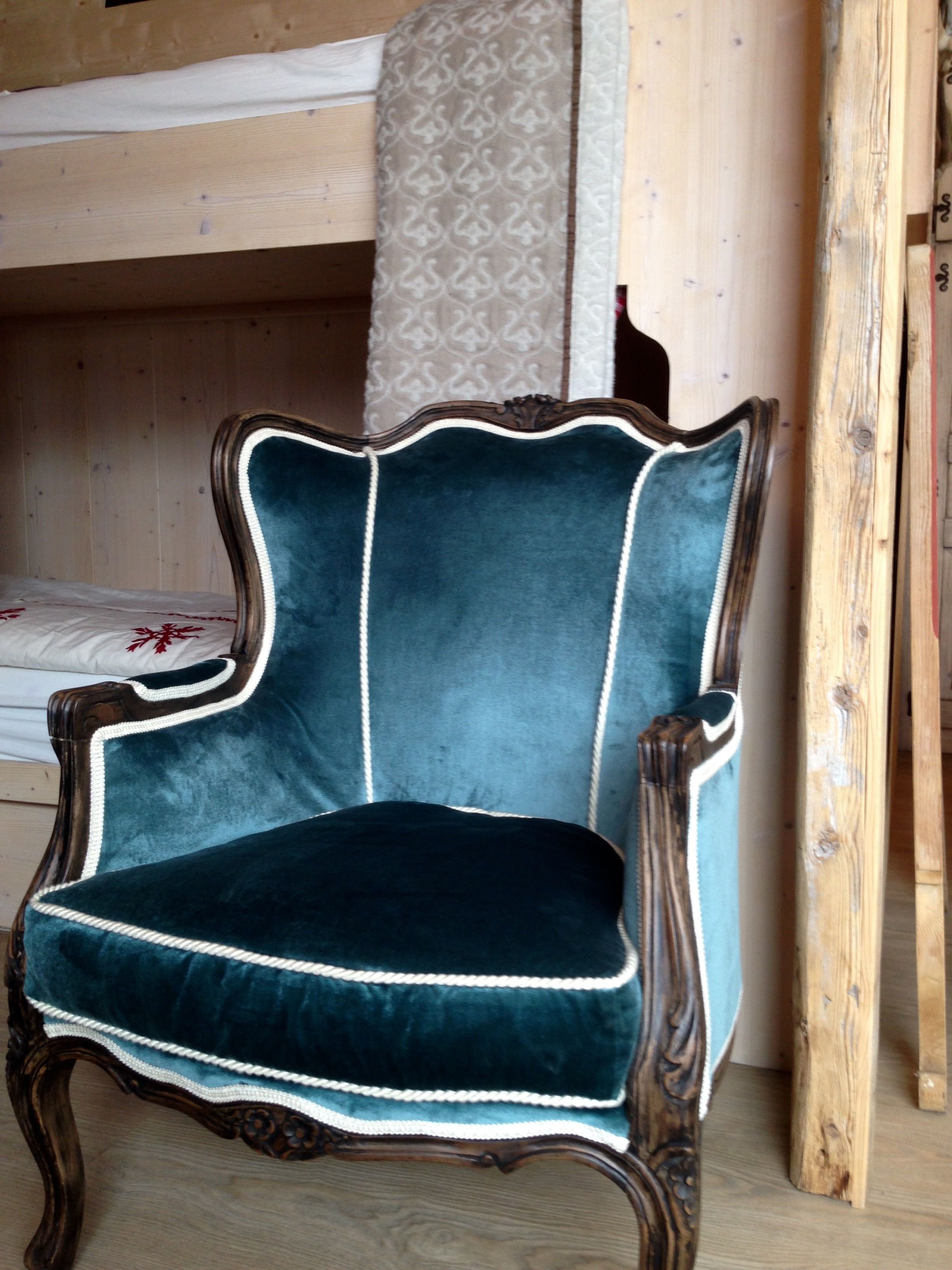 Restyling of a ears armchair, silk velvet L'Opificio. Thanks to Conrad Schirmann