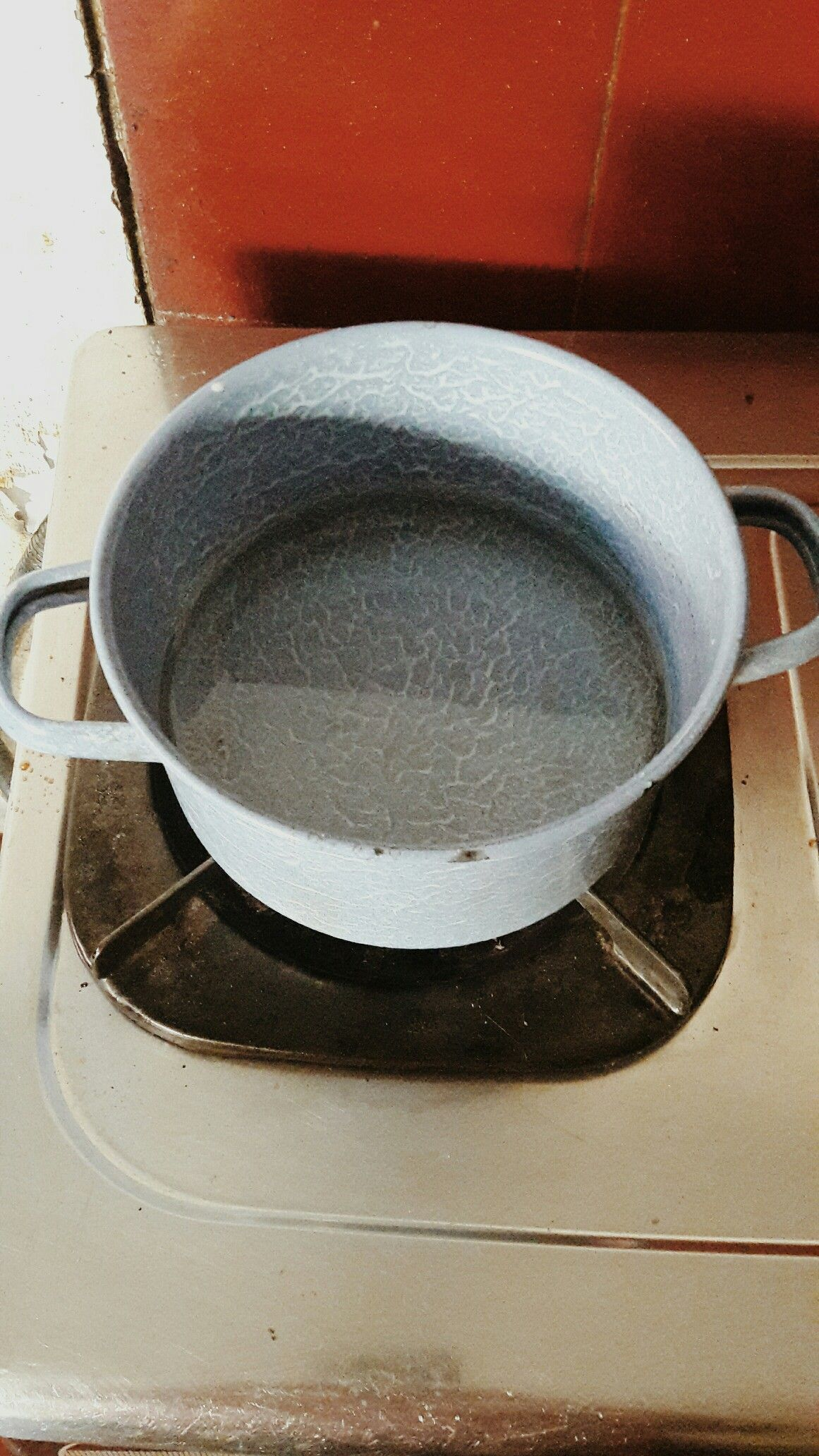 how long to boil water to sterilize bottles