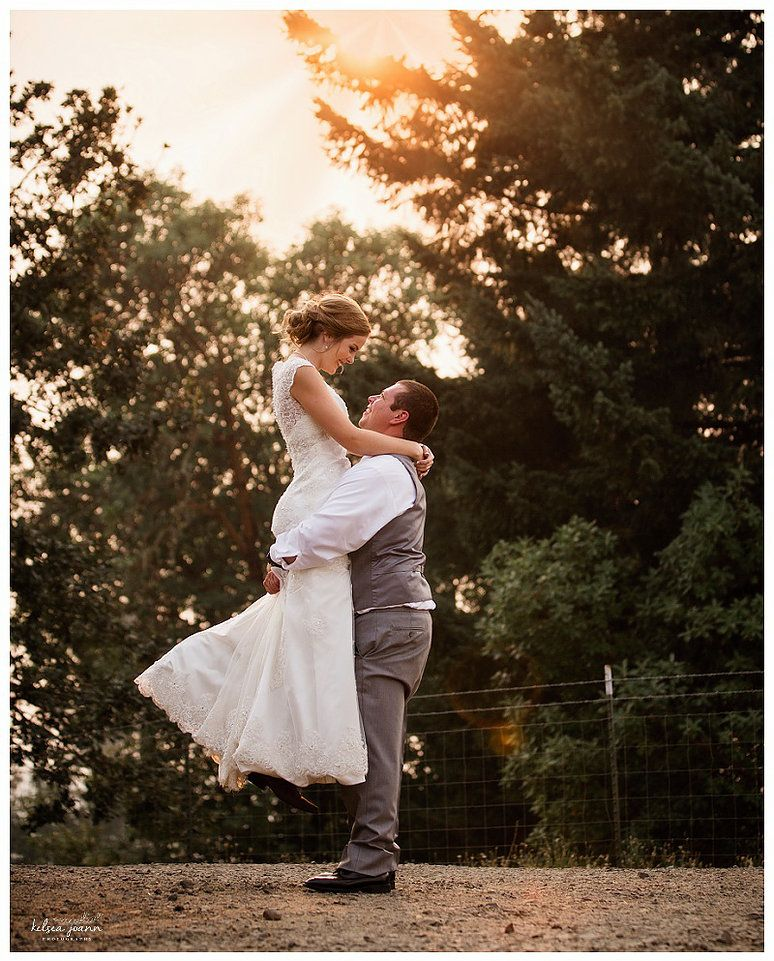 Wedding Poses: Bride And Groom Posing, Must Have Wedding Poses, Posing