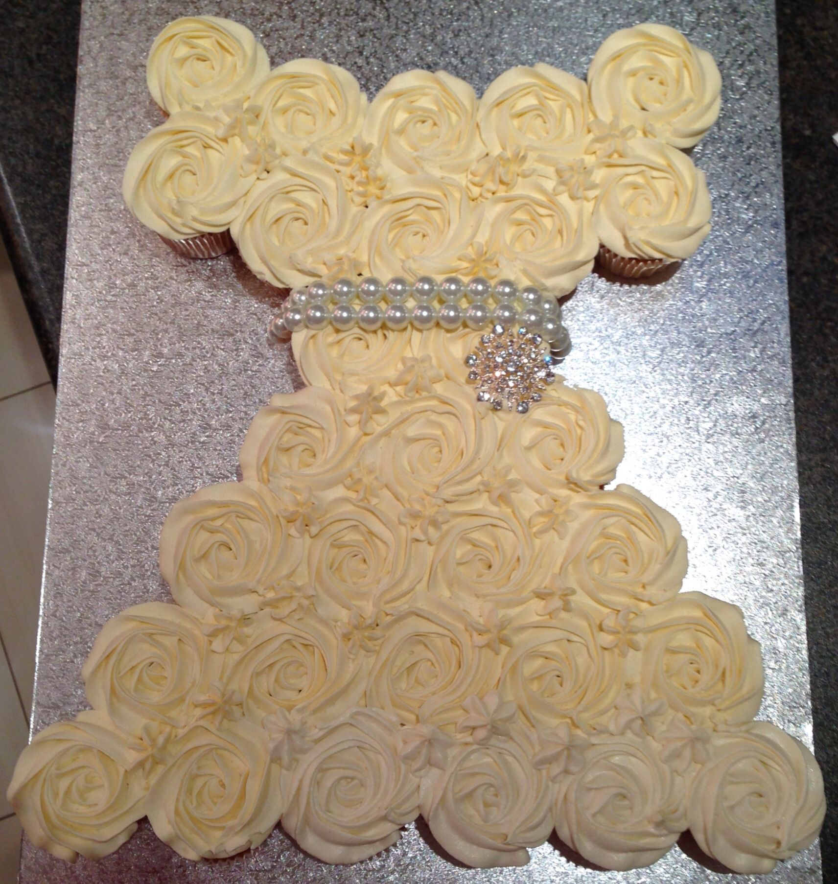 Wedding dress pull apart cupcake cake .. Ideal for kitchen teas or ...