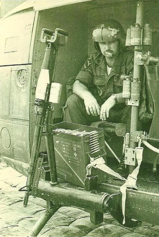 Vietnam 1972 photo: Vietnam 1972 DadinVietnam.jpg