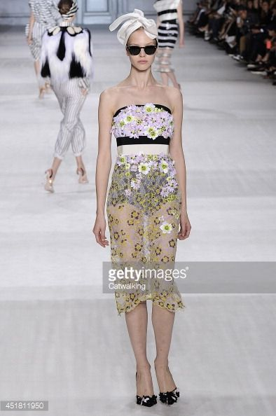 "Mais um exemplo do desfile   de Giambattista Valli - Couture Fall 2014 Runway - Paris Haute Couture Fashion Week """