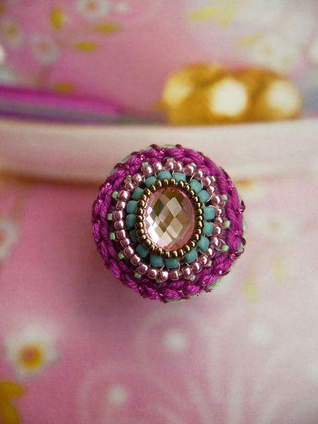 •••+Häkelring+mit+Spiegelglas-Cabochon+•••+von+crochet.jewels+auf+DaWanda.com