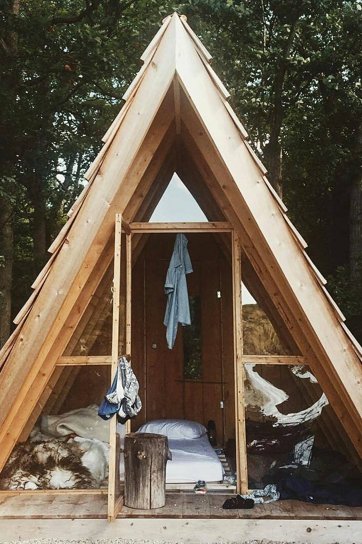 23 cozy cabins on instagram to ignite your winter wanderlust h tten baumhaus und kleines h uschen. Black Bedroom Furniture Sets. Home Design Ideas