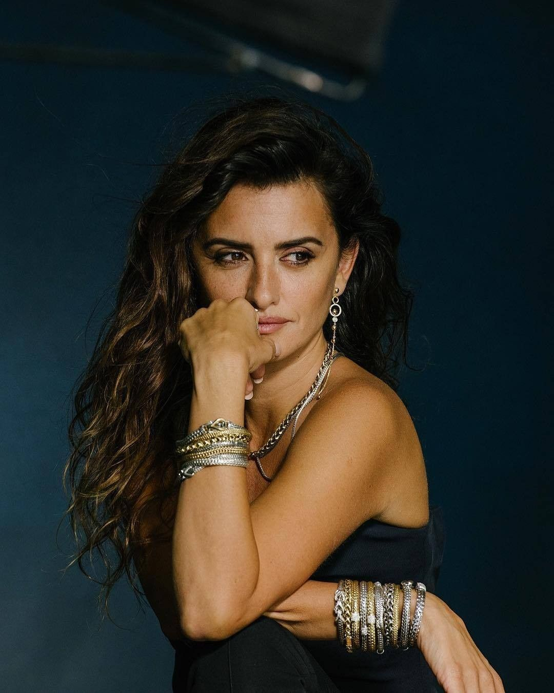 9256aaa13 Penelope Cruz on Good Jewelry, Bali, and the Importance of Treating Yourself