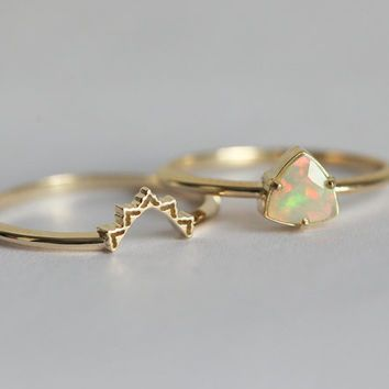 Gentil Beautiful Dainty Opal Wedding Ring Set Features Lace Wedding Band And  Solitaire Prong Set Opal. IF YOU WANT A CUSTOM Ring Please Contact Us Before