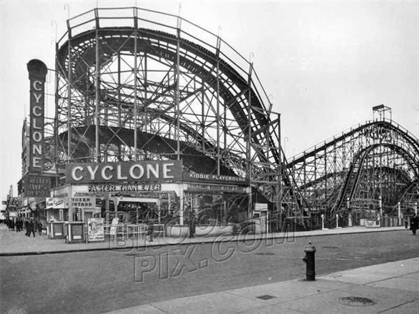 1930 The Cyclone Brooklyn Ny Us Coney Island Amusement Park Coney Island New York City Photos