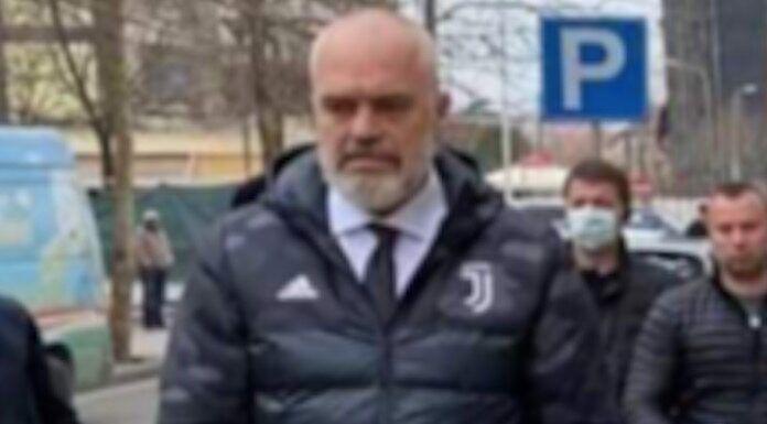 Rama: «Foto con giubbotto Juve? Vale la pena perdere qualche elettore interista» Edi Rama: «Foto con giubbotto Juve? Vale la pena perdere qualche elettore interista». Le dichiarazioni…   #AllianzStadium, #Bianconeri, #Continassa, #Finoallafine, #Finoallafineforzajuventus, #Forzajuve, #Forzajuventus, #InstaJuve, #Juve, #Juventini, #Juventino, #Juventus, #JuventusTV, #Scudetto, #Seriea   #Mercato