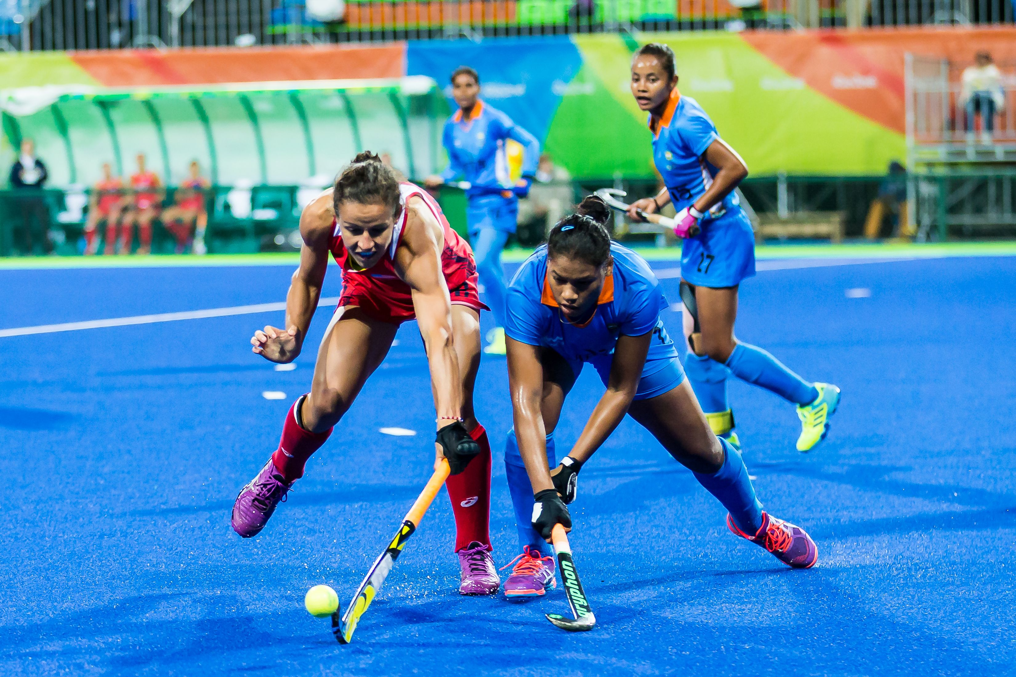 U S Olympic Women S Field Hockey Team Captures Fourth Straight Victory Earning A Total Of 12 Event Points Un1te Field Hockey Womens Field Hockey Hockey Teams