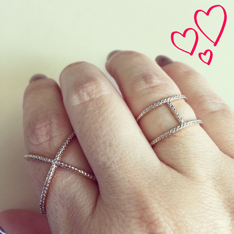 In love com meus anéis @carolinacosta_semijoias ❤️❤️ #aneis…