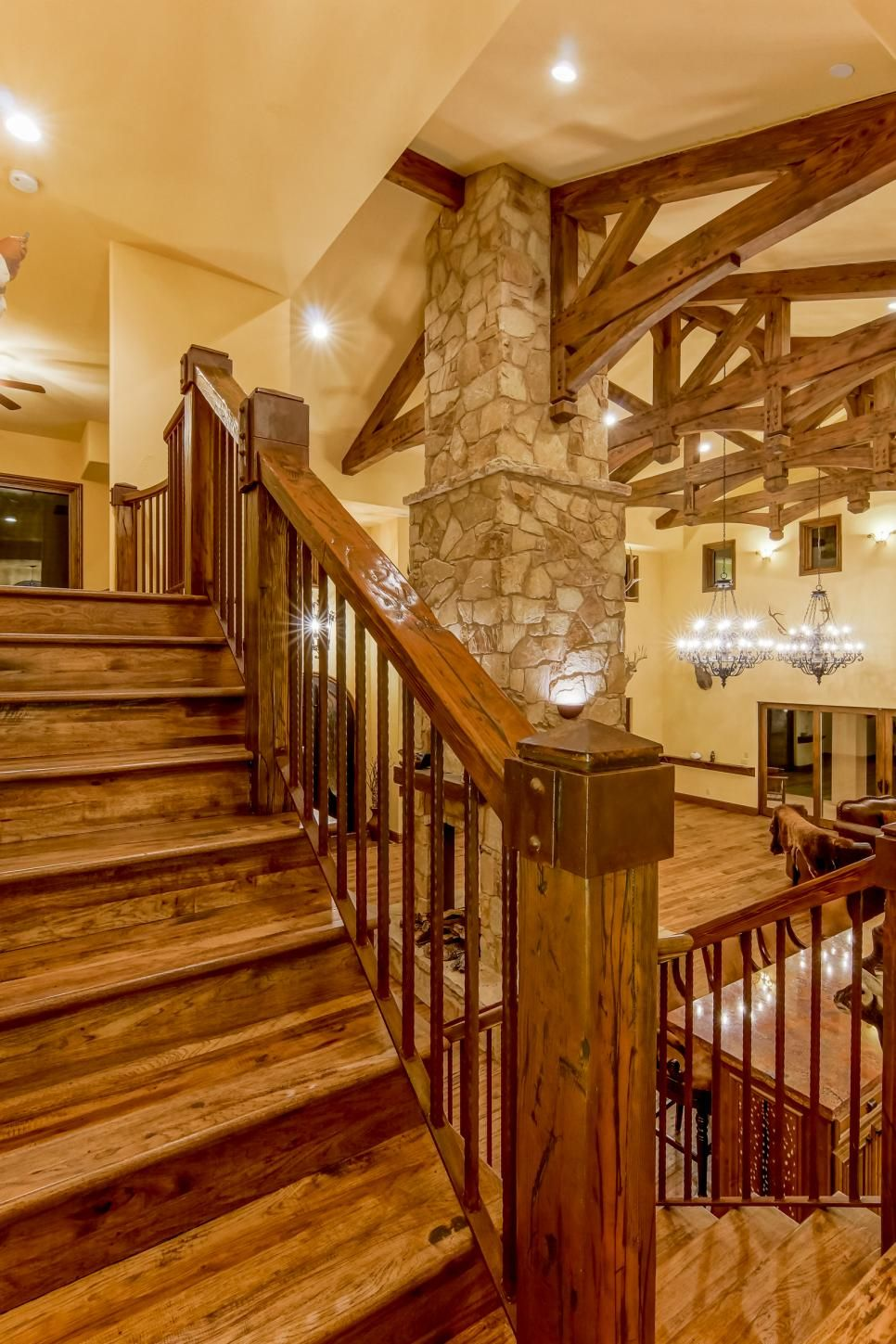 Rustic Mountian Stair Railings: Barron Custom Design Outfitted The Rustic Retreat With