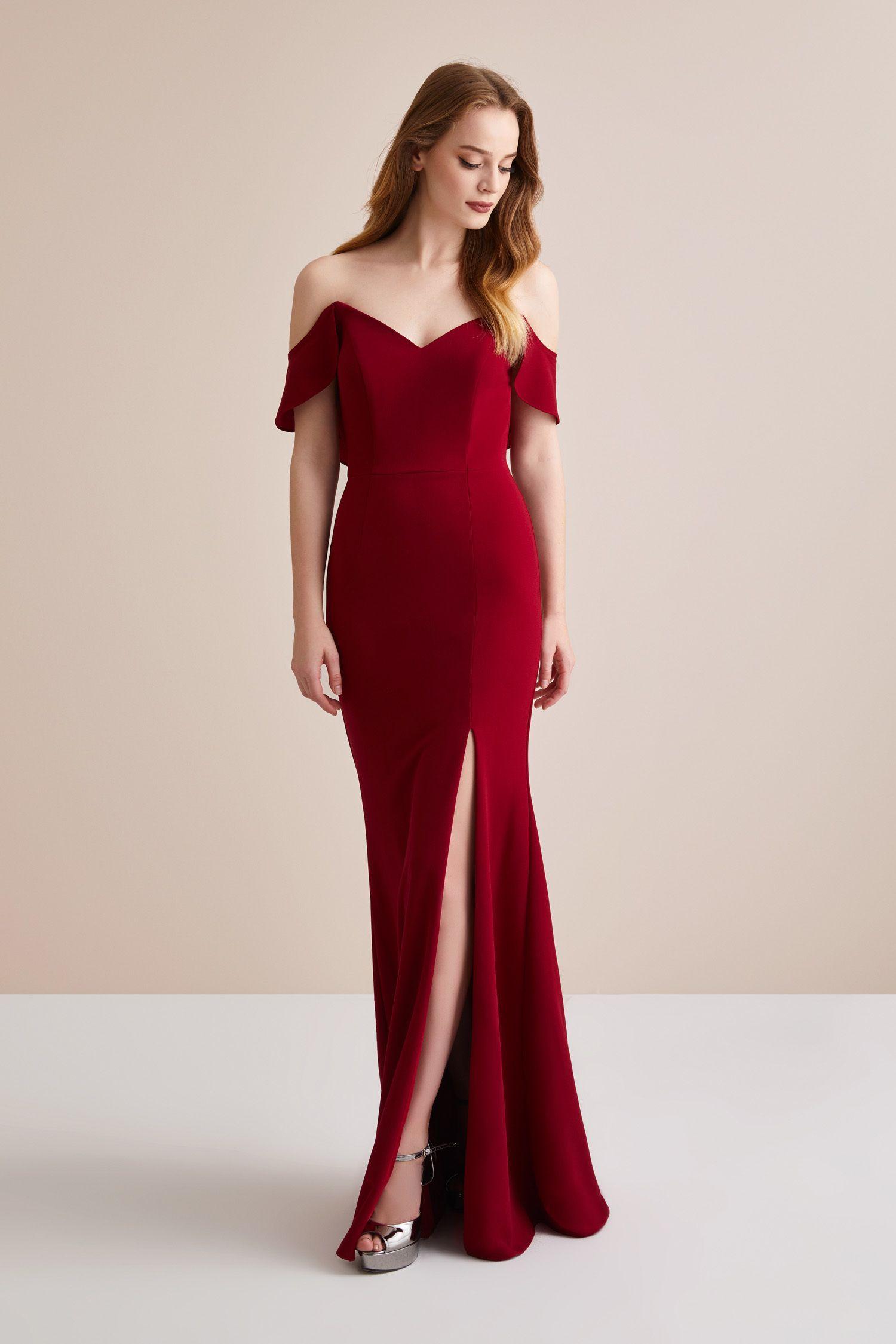 18388fa9173ef Kırmızı İnce Askılı Şifon Uzun Abiye Elbise – Oleg Cassini in 2019 | Dream  Life | Bridesmaid dresses, Formal dresses, Dresses