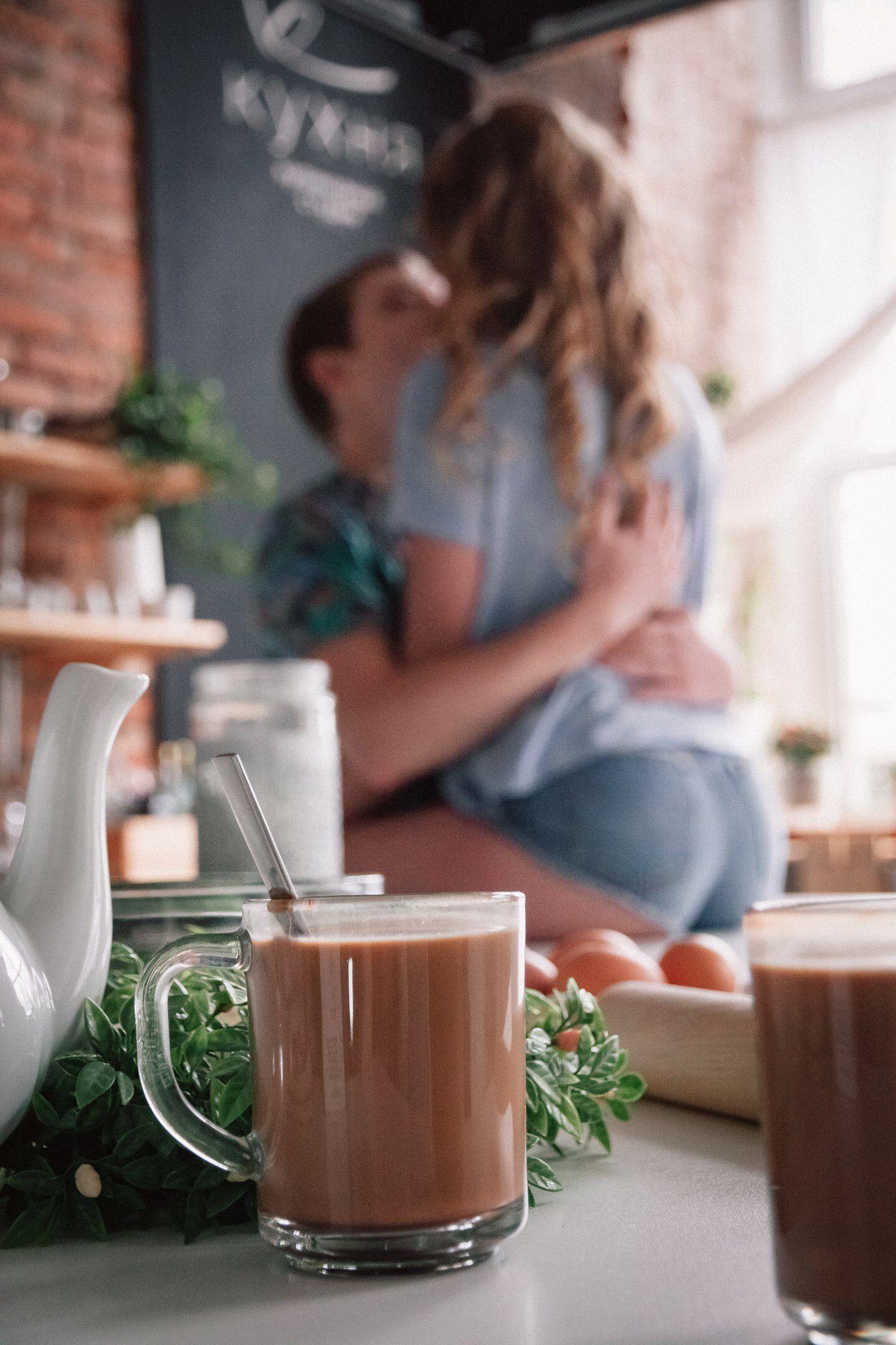 Картинки поцелуй и кофе, приглашения