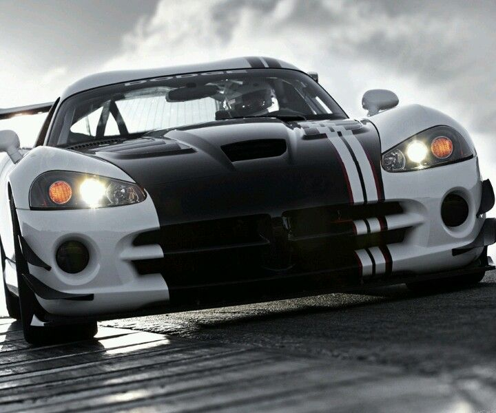 Mean Dodge Viper Drive This By Clicking On The Pic Get Your Viper Stripes From Www Vinylwarehouse Co Uk Be Dodge Viper Dodge Viper Srt10 Sports Cars Luxury