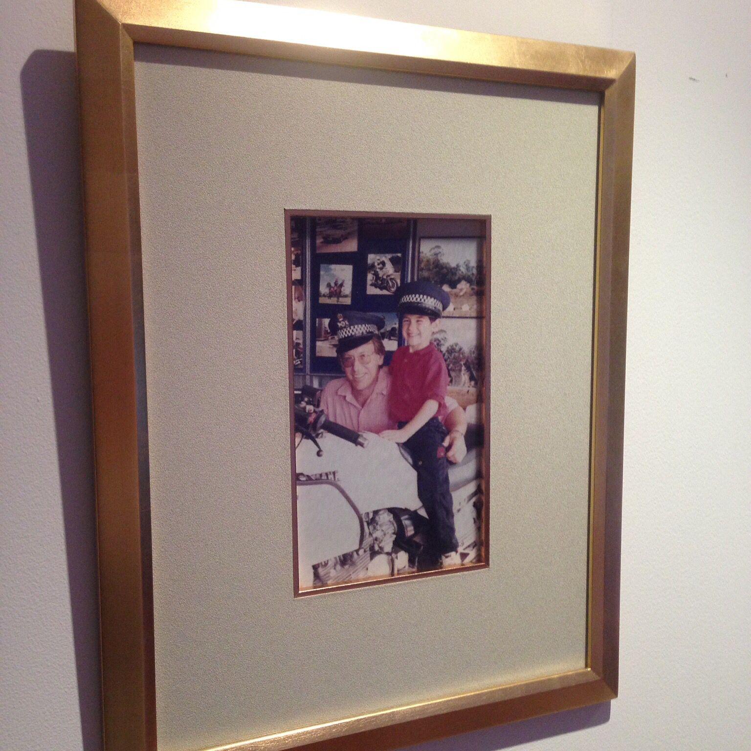 Cuadro con marco en pan de oro y vidrio mate. | Pixelart | Pinterest ...