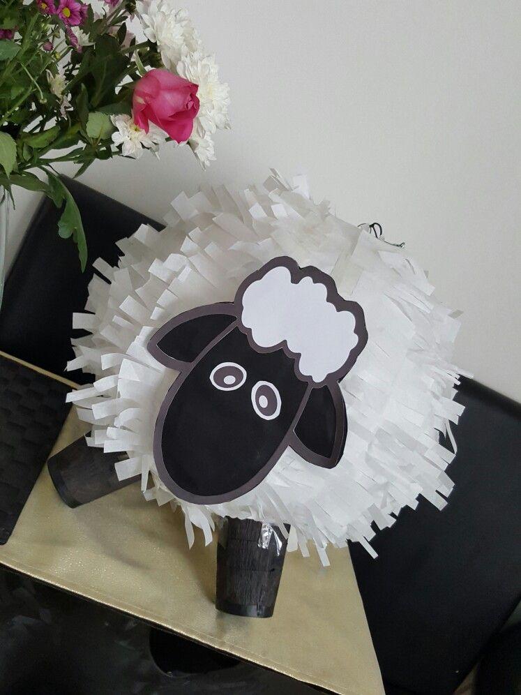 Sheep Pinata For Eid Ul Adha Celebrations Piñatas Navidad Piñata Casera Manualidades