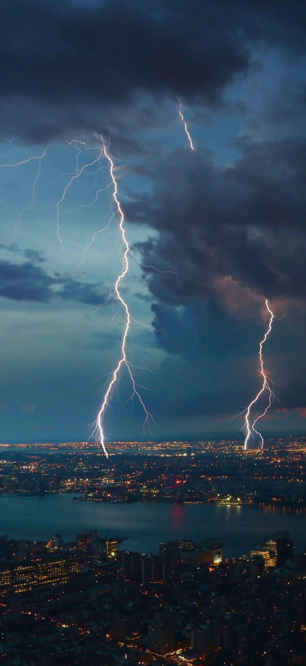 City Lightning In 2020 Storm Wallpaper 4k Background Rain Wallpapers