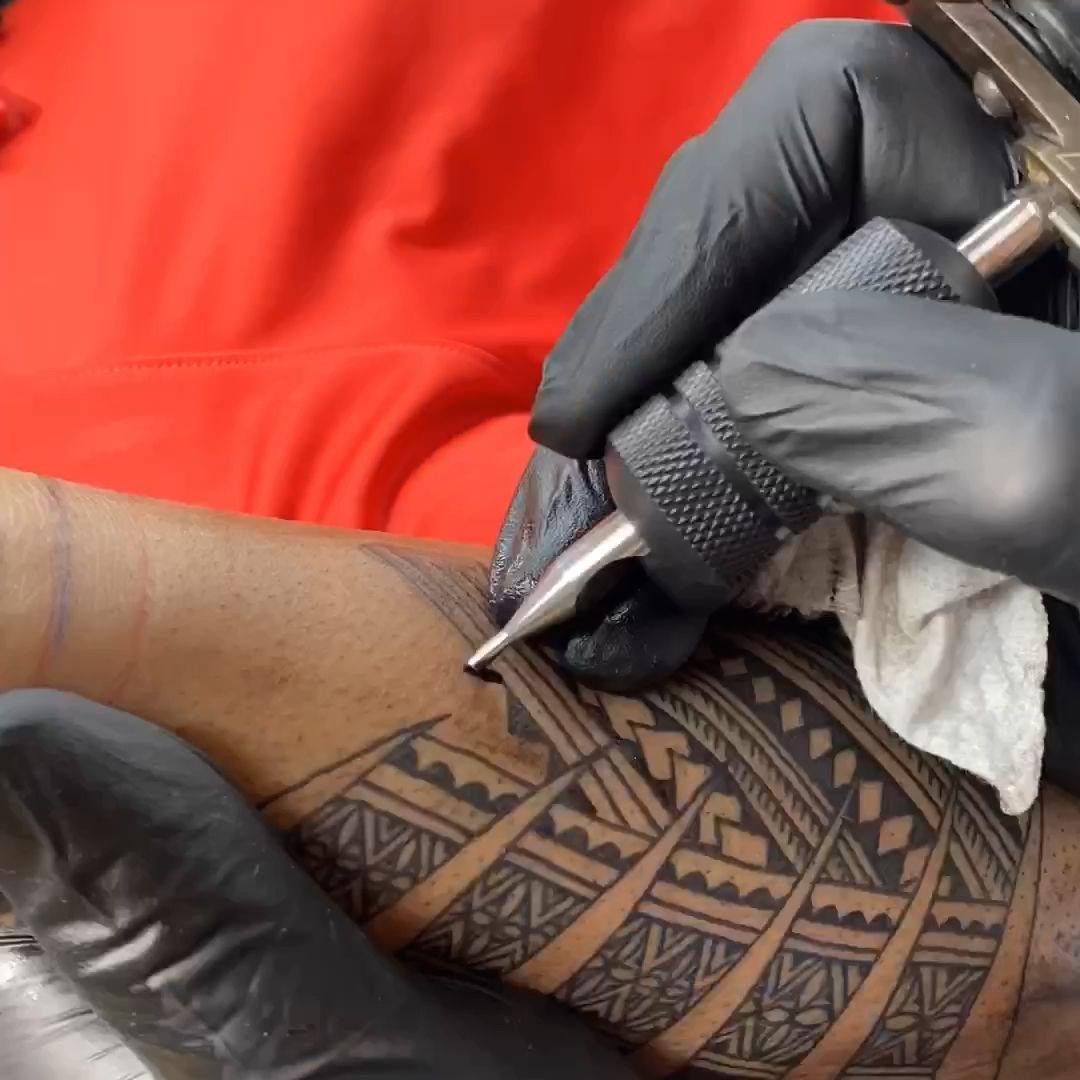 freehand tattooing Samoan style Michael Fatutoa