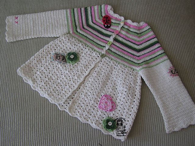 Ravelry: Flower Cardigan pattern by Vendula Maderska - free pattern!