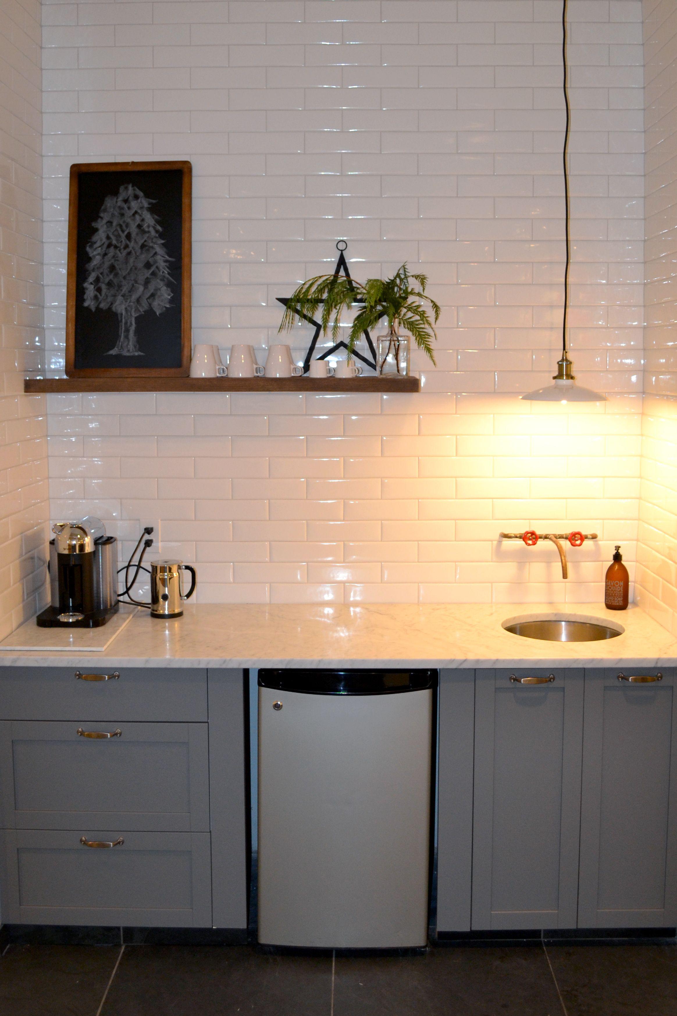 LIVERPOOL by Ceragres #tiles #ceramics #white #kitchen | Backsplash ...