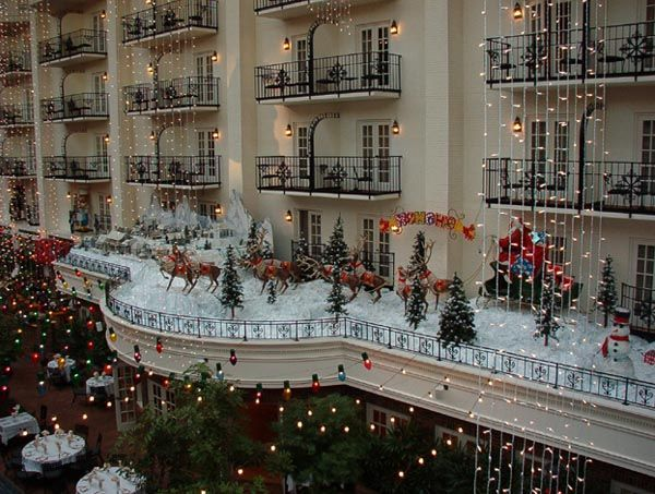 opryland hotel decorated for christmas with aunt pam and grandma and grandpa