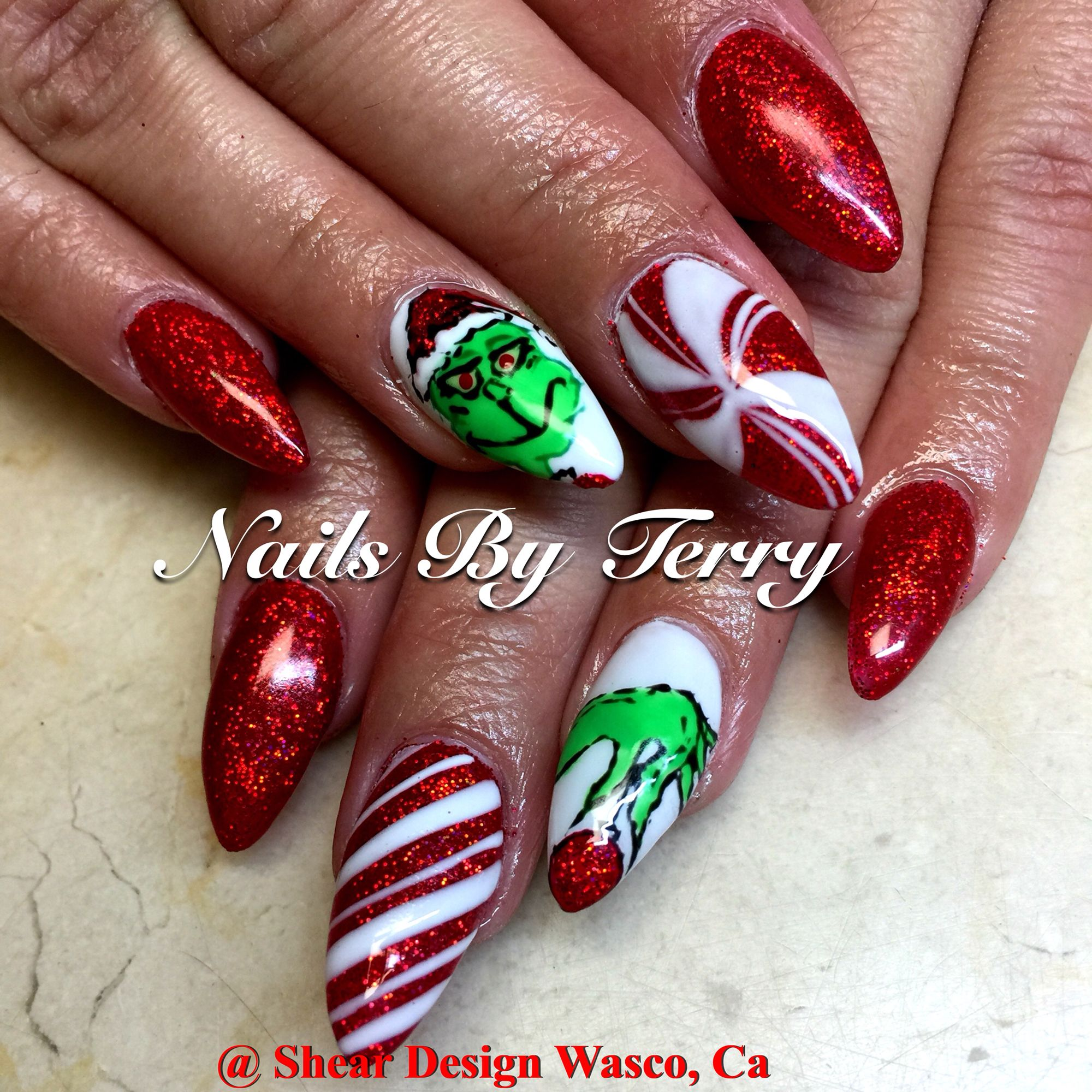 The Grinch Christmas nails | Christmas nails | Pinterest | Grinch ...