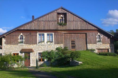 La Bergerie - Gîte Holiday Rental in La Chenalotte, Doubs, France - Gites De France Avec Piscine Interieure
