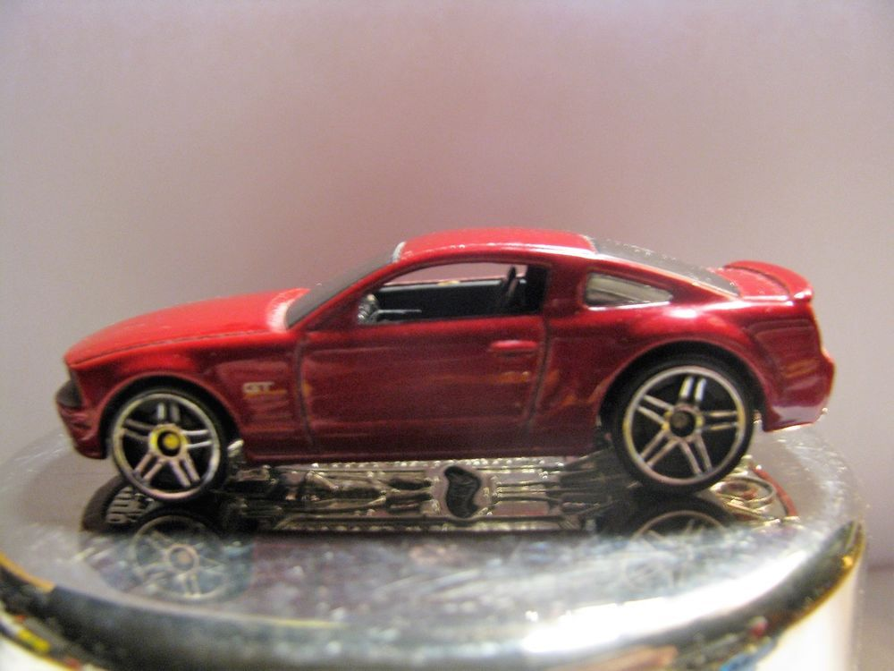 Malaysia 2005 Ford Mustang Gt Hot Wheels Diecast Car Scale 1 64