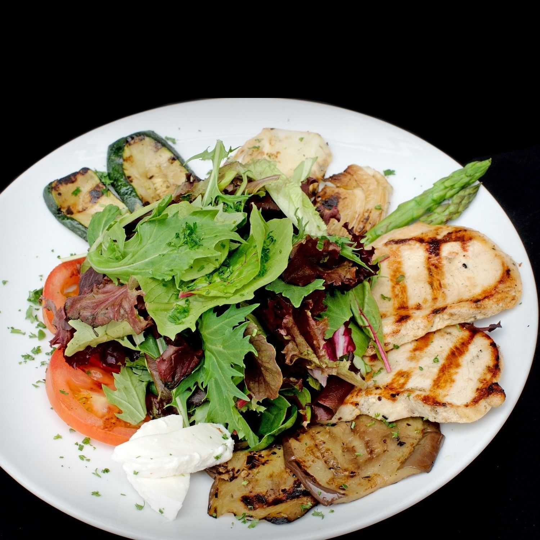 Grilled Veggie Eggplant, Zucchini, Fennel, Asparagus, Tomato, Grilled Chicken & Fresh Mozzarella