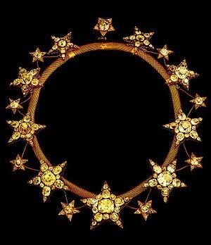 Colar Origem: Portugal, Lisboa, 1865 Materiais: Ouro, Brilhantes, Diamantes Rosa Pertença inicial de D. Maria Pia