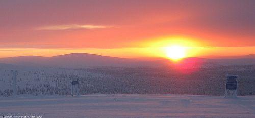 Kaunispää 10005 | Saariselkä. Saariselän mökit ja ohjelmapalvelut #saariselkä #saariselka #saariselankeskusvaraamo #lapland #astueramaahan #stepintothewilderness #saariselkaMTB http://www.saariselka.com