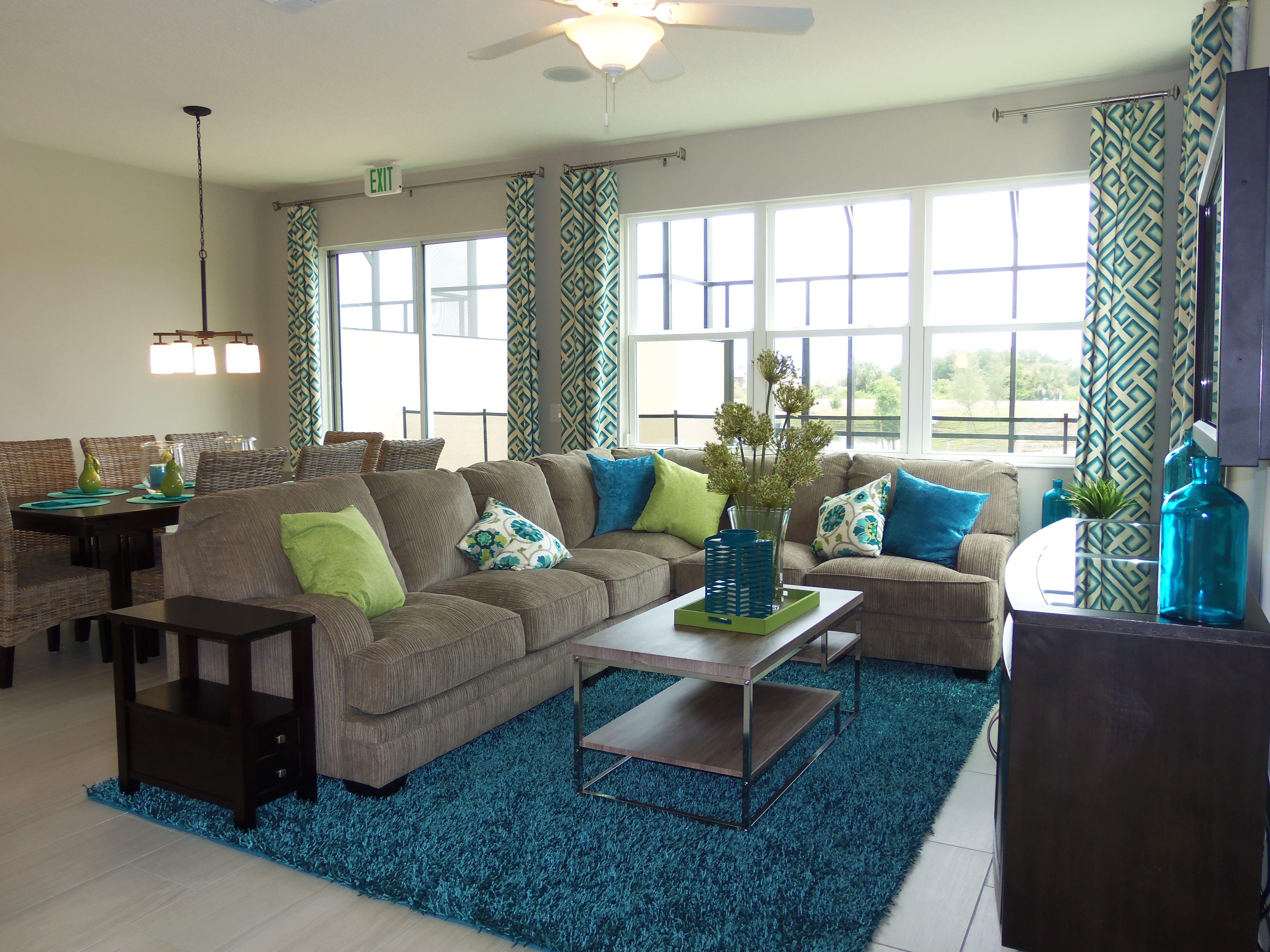 Colorful décor ideas for vacation home décor. Home decor