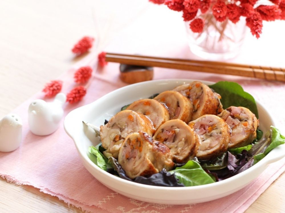 Vegetables chicken roll chinese new year recipe chinese new year daydaycook is the hottest new culinary website across asia offering step by step instructions and videos on how to cook chinese food recipes forumfinder Choice Image